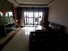 健康花城二期三期 3室2厅135m²整租租房效果图