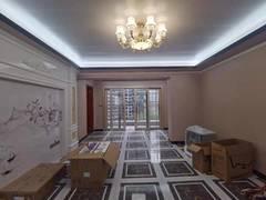 宏发领域 壹方城旁132m²精装5房-家私家电全齐 看房方便租房效果图